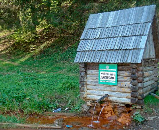 dzherelo mineralnoi vodi bilja sela kelechin